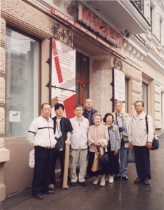 2005-book-05.jpg